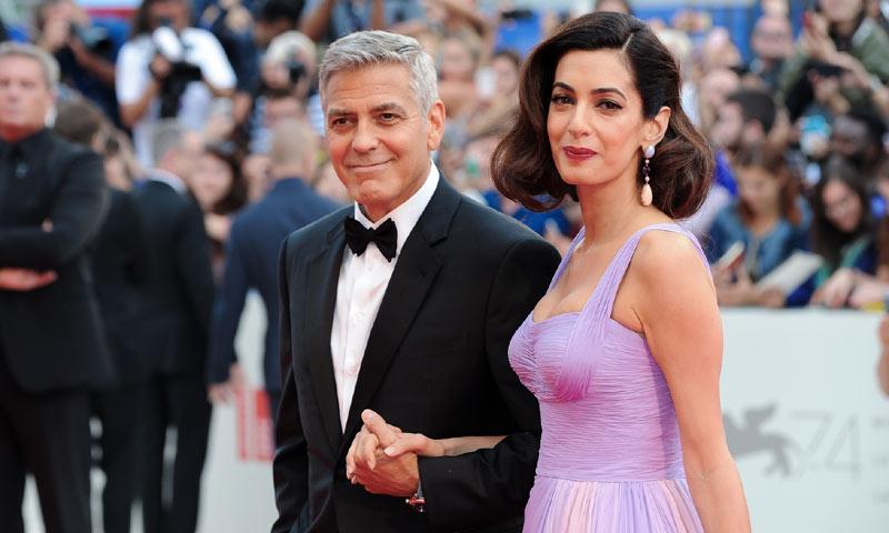 George y Amal Clooney, primera aparición en la alfombra roja desde que son padres