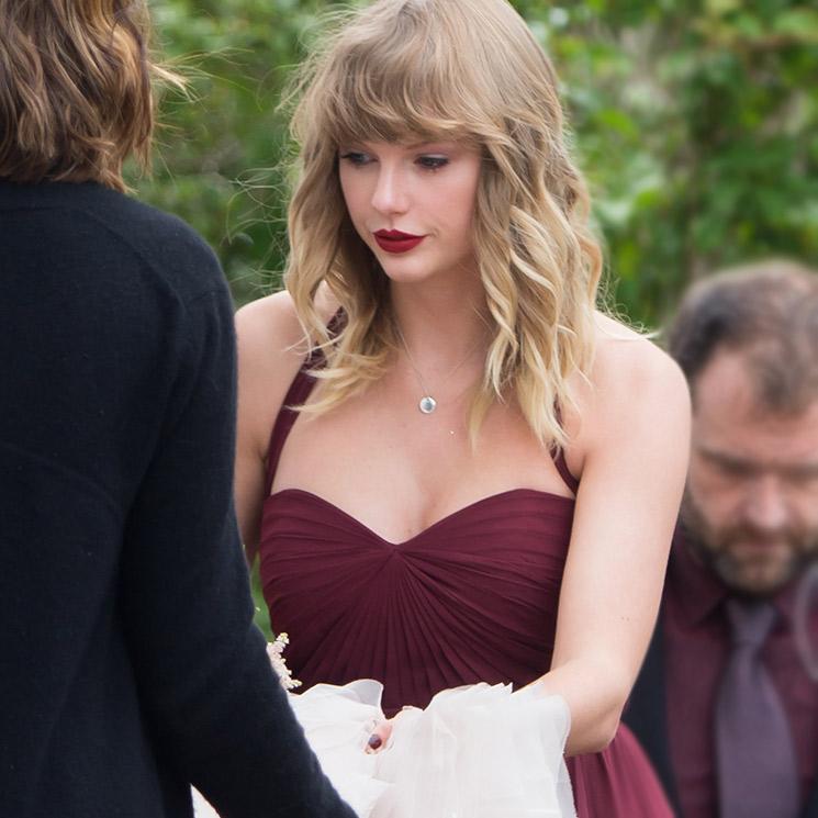 Taylor Swift, invitada perfecta en la boda de su mejor amiga b122dd9d80