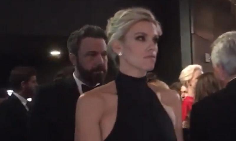Ben Affleck y su novia, Lindsay Shookus, de incógnito en los Emmy