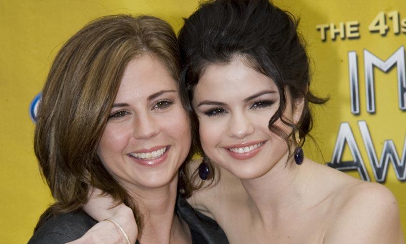La madre de Selena Gomez se sincera sobre el trasplante de su hija: 'Estaba asustada'