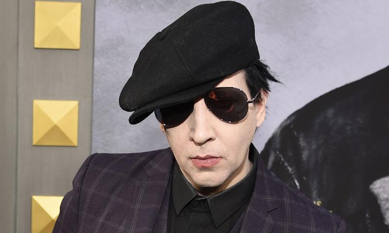 Marilyn Manson, hospitalizado tras caerle encima un decorado en un concierto