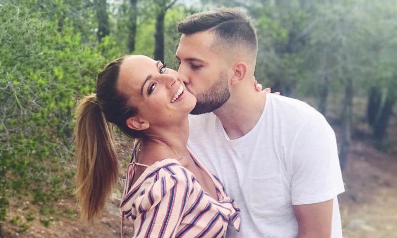 La bonita dedicatoria de Jordi Alba a su novia embarazada y la 'baby shower' inesperada