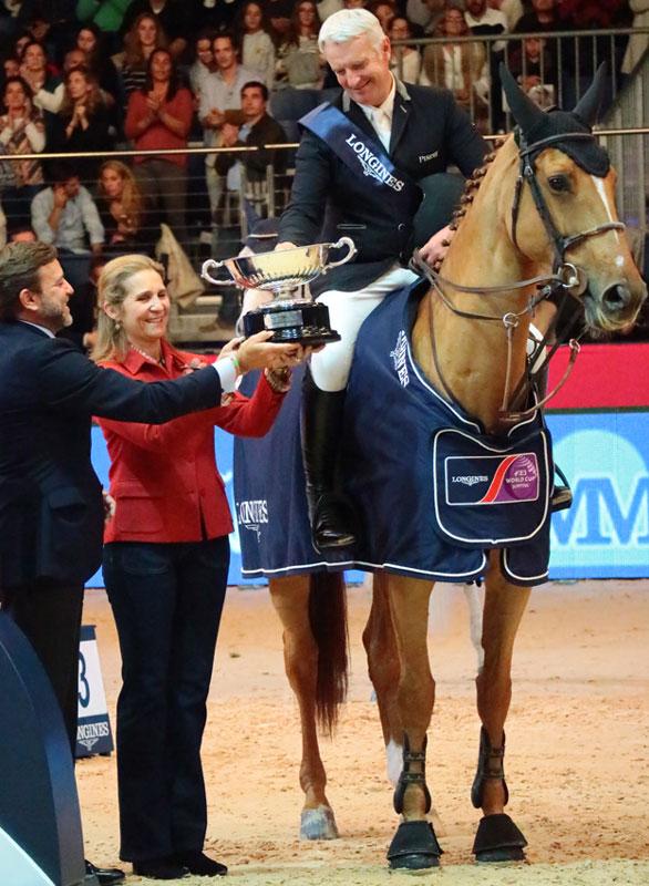 https://www.hola.com/imagenes/actualidad/20171126102515/infanta-elena-hijos-madrid-horse-week/0-511-267/infanta-z.jpg