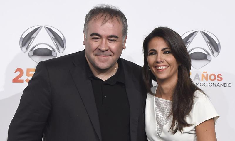 Antonio García Ferreras rompe a llorar al dedicar un premio a su pareja, Ana Pastor