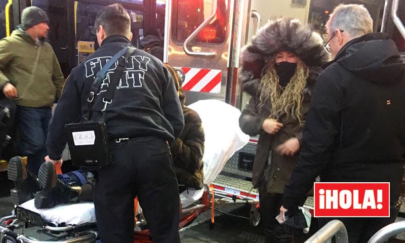 EXCLUSIVA: La angustia de Shakira mientras la madre de Piqué era trasladada en ambulancia tras sufrir un percance en Nueva York