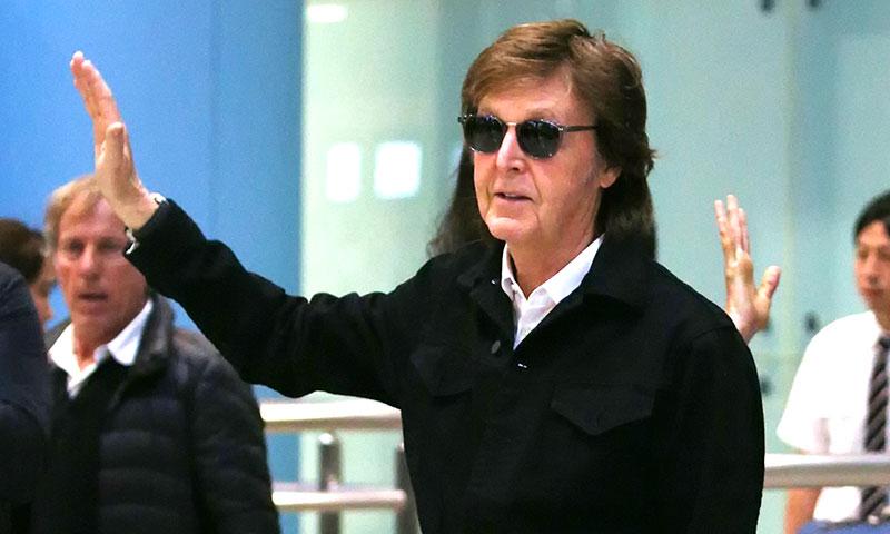 Paul McCartney despide el año junto a su familia bajo el sol del Caribe