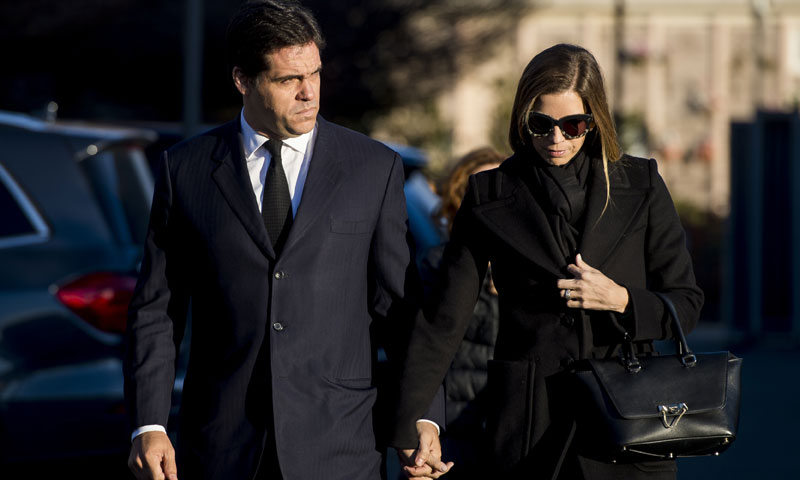 Luis Alfonso de Borbón y Margarita Vargas, junto con familiares y amigos, acuden a la incineración de Carmen Franco