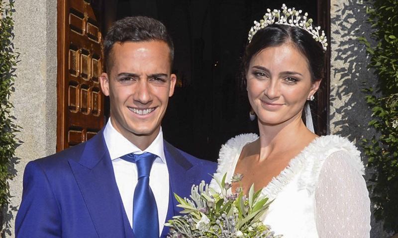 El futbolista Lucas Vázquez y su mujer: nuevo año... ¡y bebé en camino!