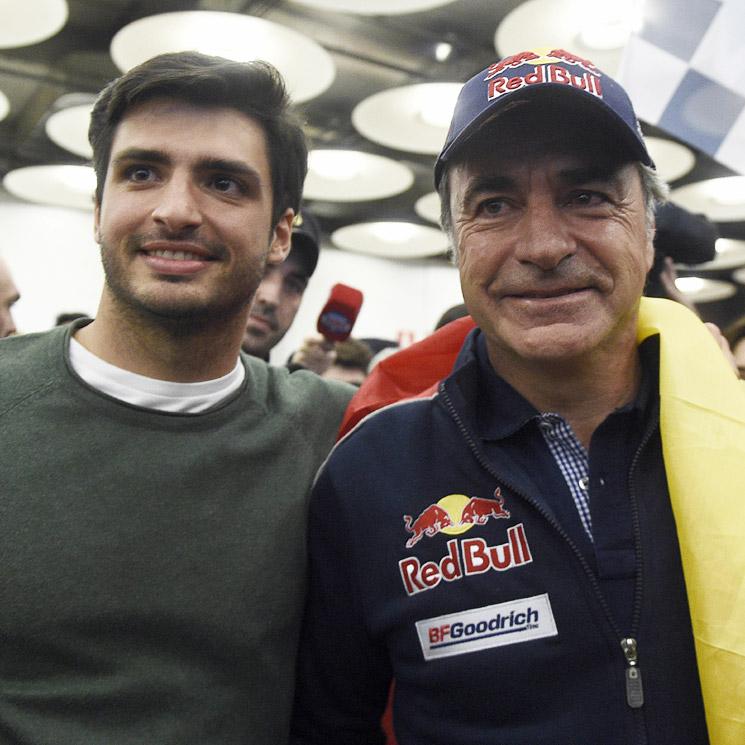 Resultado de imagen de Recibimiento Carlos Sainz hijo a carlos sainz padre aeropuerto madrid