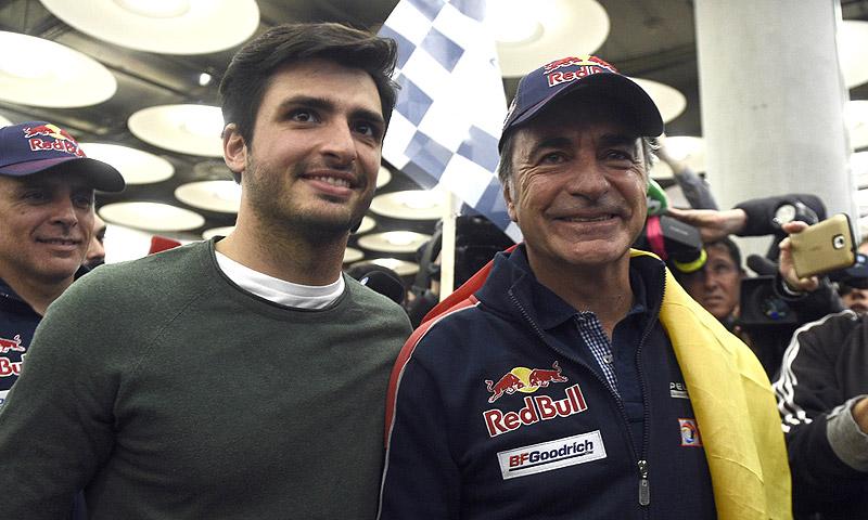 Carlos Sainz Jr. lidera el emocionante recibimiento a su padre, Carlos Sainz, a su llegada a Madrid