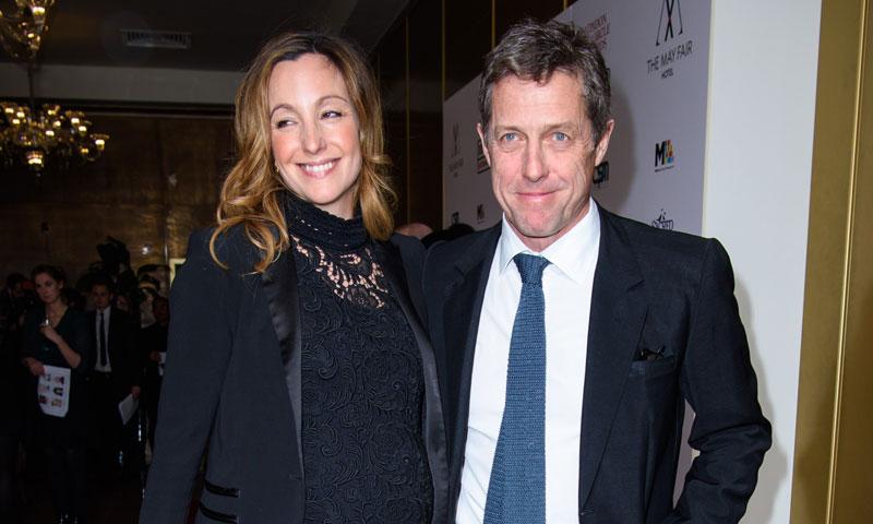Hugh Grant y Anna Eberstein, felices tras conocerse su próxima paternidad