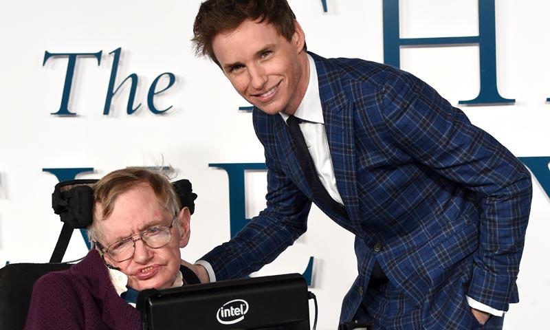 Los actores de The Big Bang Theory, la Nasa... el mundo lamenta la muerte de Stephen Hawking