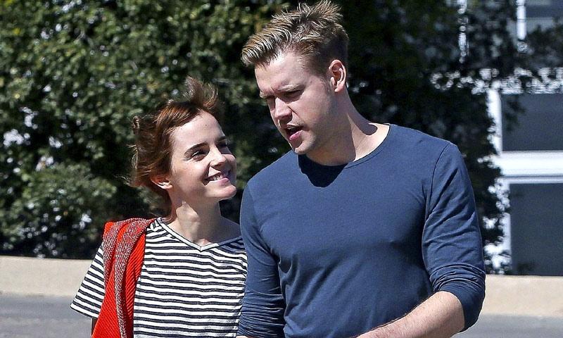 ¡Ya es oficial! Emma Watson y Chord Overstreet pasean su amor por Los Ángeles