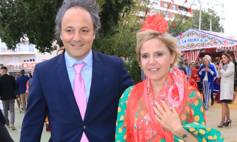 Eugenia Martínez de Irujo inaugura la Feria de Abril con Narcís Rebollo y su hija Tana
