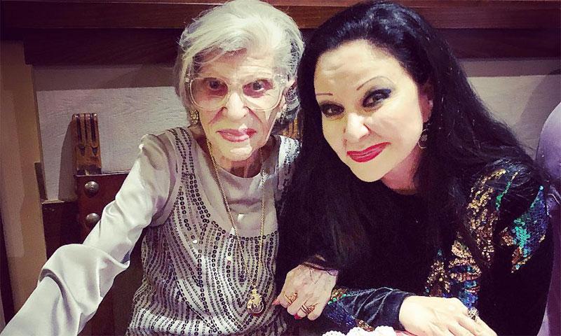 Alaska celebra los 89 años 'muy bien vividos' de su madre