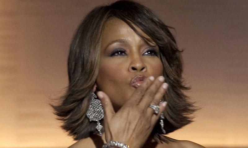 Un documental de Whitney Houston expone nuevos detalles de la malograda vida de la diva del pop
