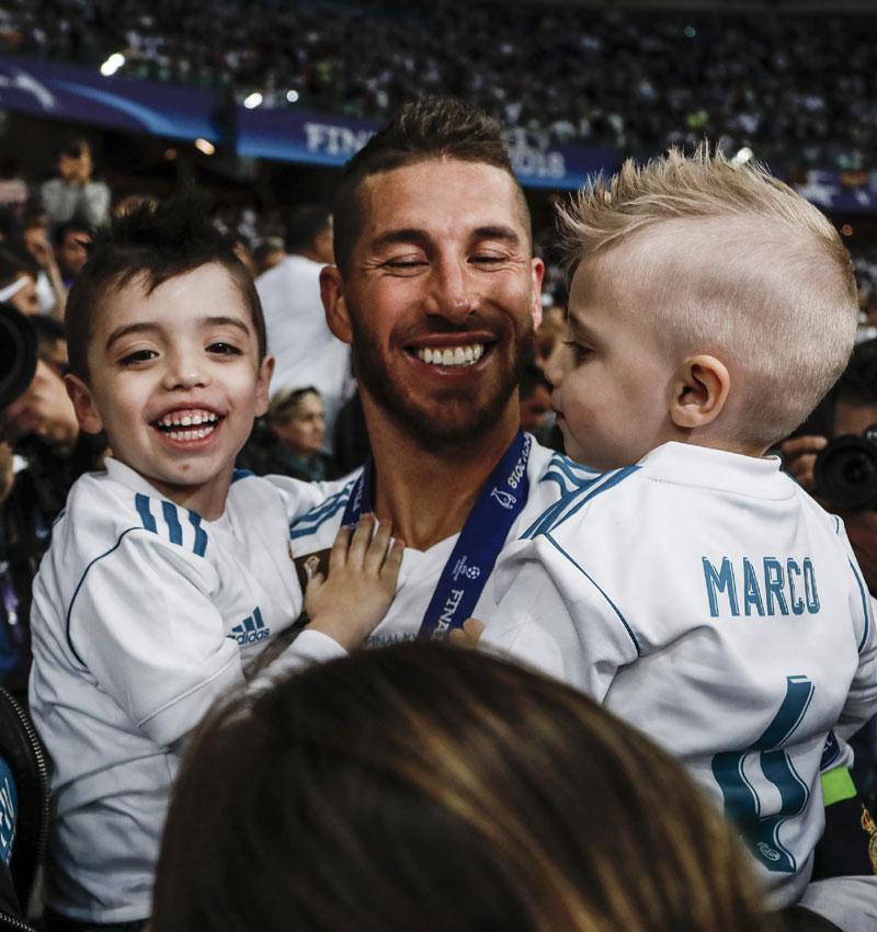 Sergio Ramos con sus hijos Sergio Jr. y Marco