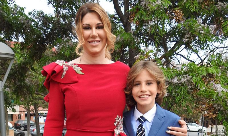 La cantante Tamara celebra la Primera Comunión de su hijo Leandro