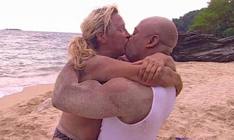 Raquel Mosquera y su novio Isi emulan el apasionado reencuentro de Rosa Benito y Amador Mohedano en 'Supervivientes'