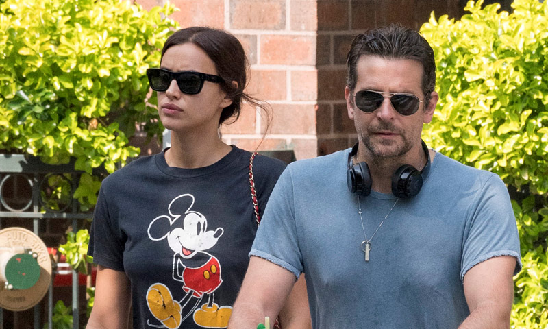 ¡De paseo! Irina Shayk y Bradley Cooper con su hija Lea por las calles de Nueva York