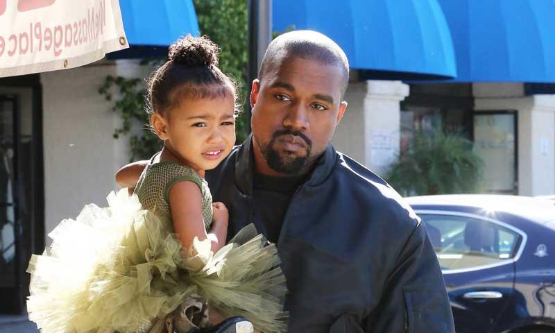 A Kanye West le sale una divertida y pequeña competidora