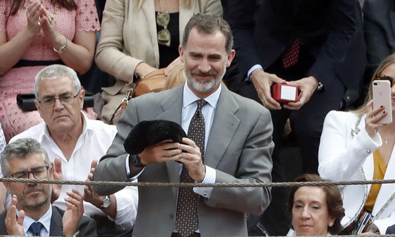 Ágatha Ruiz de la Prada y Luis Miguel Rodríguez presencian la ovación al Rey en Las Ventas