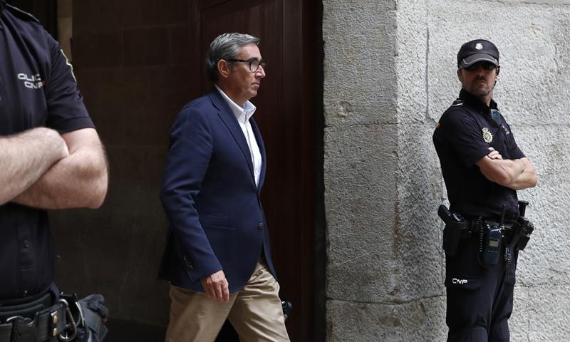 Diego Torres recoge la orden de prisión en Palma y Jaume Matas ingresa en la cárcel de Aranjuez