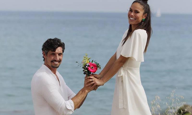 Mireia Canalda y Felipe López se dan el 'sí, quiero' rodeados de su familia