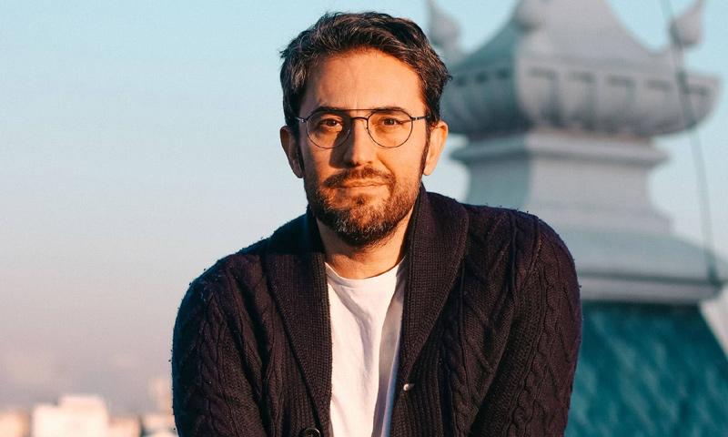 Tras la tormenta por su dimisión como Ministro, Màxim Huerta se escapa a Londres con sus amigos
