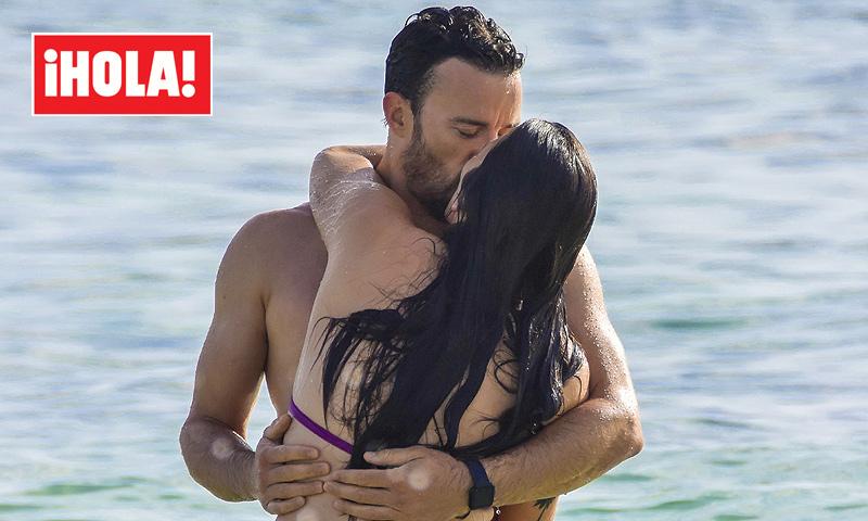 EXCLUSIVA: Las apasionadas imágenes de Irene Junquera y Pablo Puyol en Ibiza