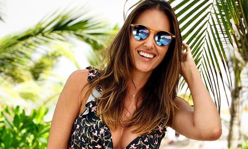 Helen Lindes presume de 'tipazo' en sus vacaciones románticas con Rudy Fernández
