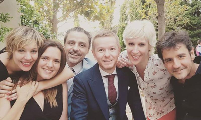 El inesperado reencuentro de 'Compañeros' en la boda de uno de ellos