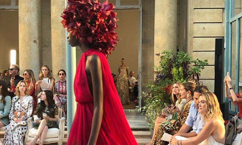 Marta Ortega y Carlos Torretta, en primera fila del desfile de Valentino en París, ¿en busca del vestido de novia perfecto?