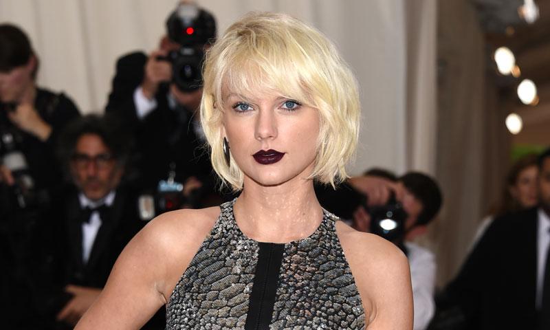 Taylor Swift, testigo de excepción del momento más romántico entre dos de sus fans