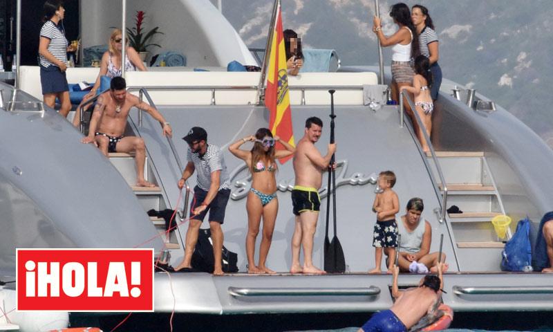 EXCLUSIVA: Daniella Semaan, con la familia Messi en Ibiza antes de celebrar la fiesta de su boda con Cesc Fábregas
