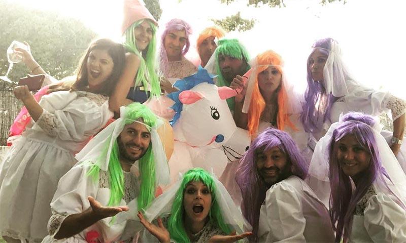 Un unicornio y pelucas de colores... la divertida despedida de soltera de María José Suárez