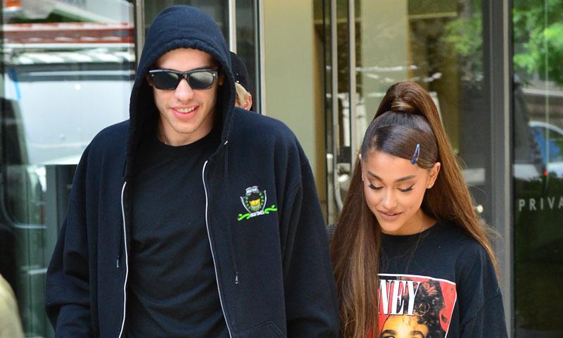 El prometido de Ariana Grande borra sus fotos y levanta las alarmas