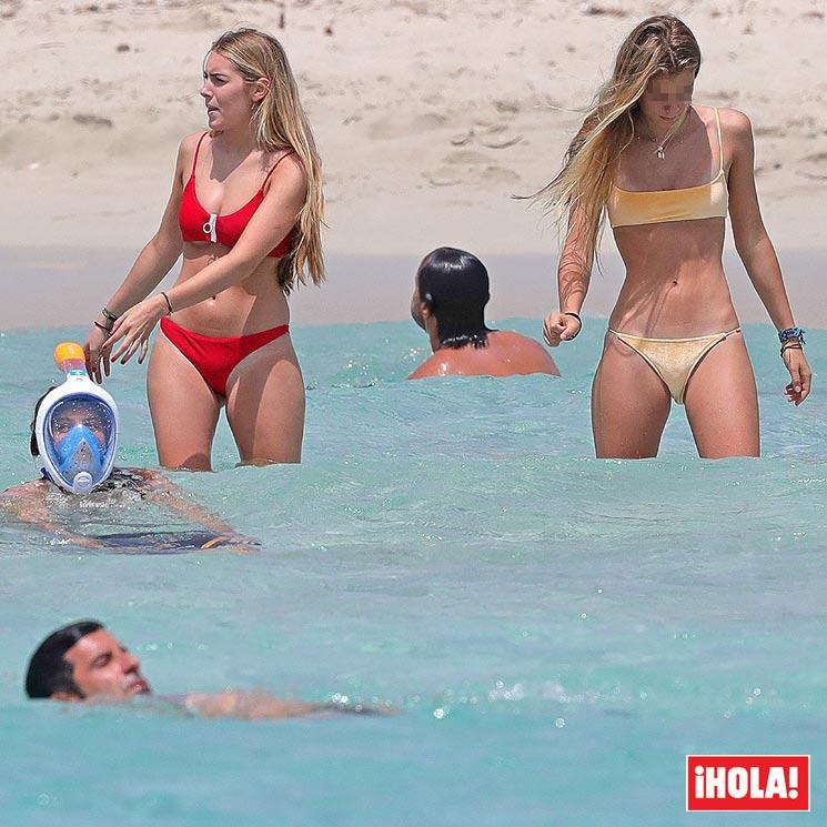 Foto En De ExclusivaLuis Las Playas Figo Hijas Ibiza Presume thrdsQ