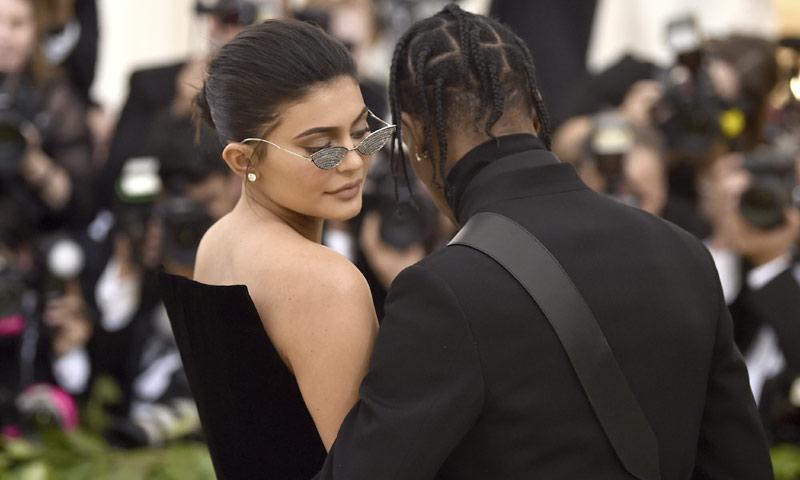 La sorprendente aparición de Kylie Jenner en el videoclip de su novio, Travis Scott
