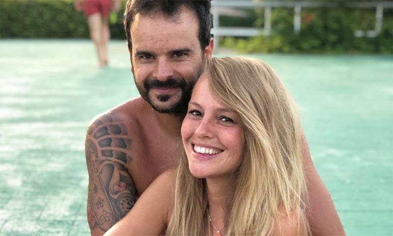 Esmeralda Moya posa en redes sociales con su ¿nueva pareja?