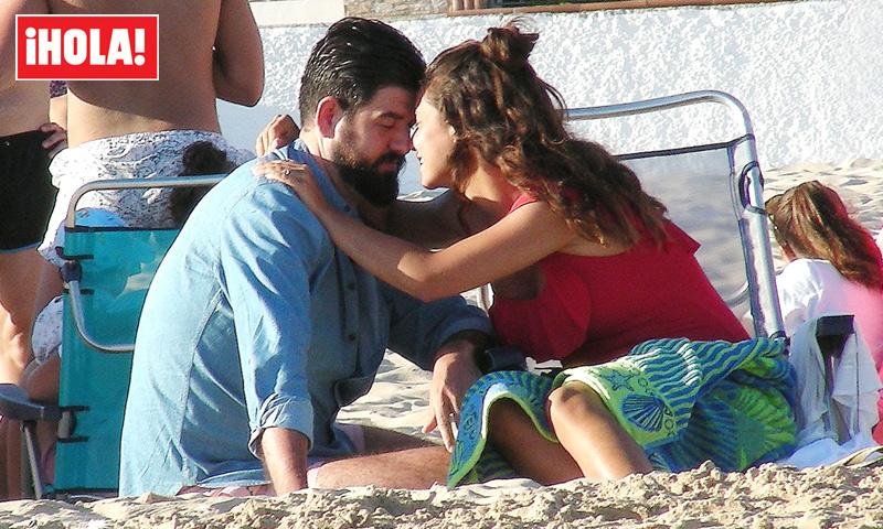 Exclusiva: Manu Sánchez, de 'Bailando con las estrellas', dulce espera en la playa