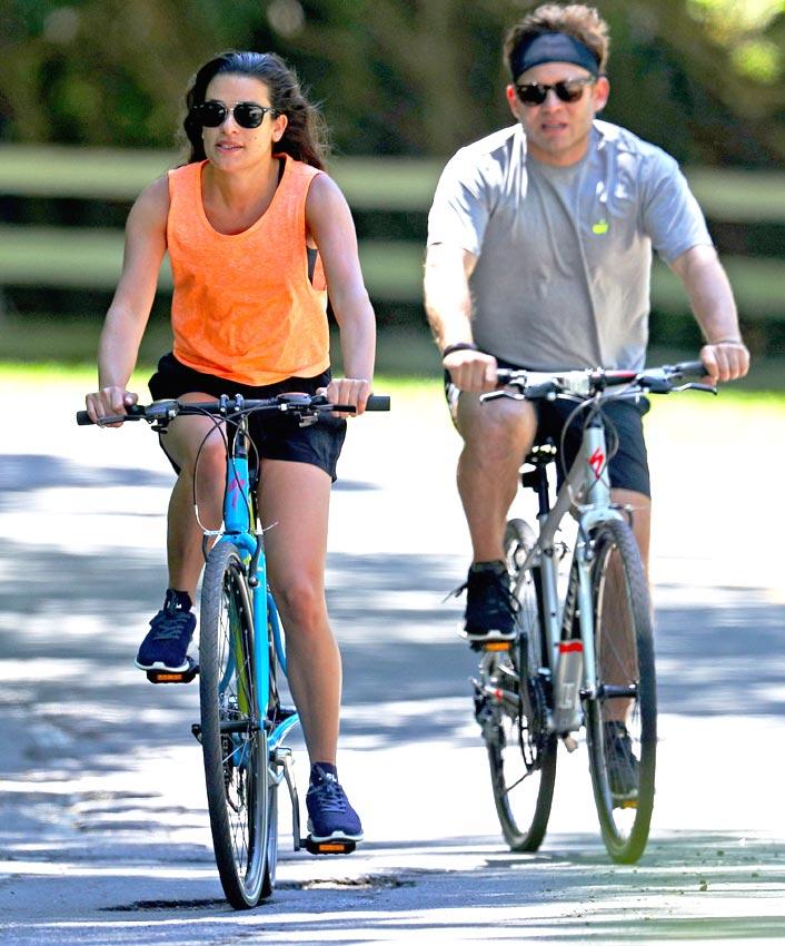 lea michele en bici