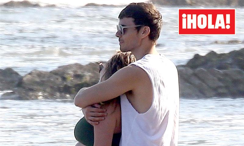 EXCLUSIVA: Hilary Duff luce tripita de embarazada en la playa