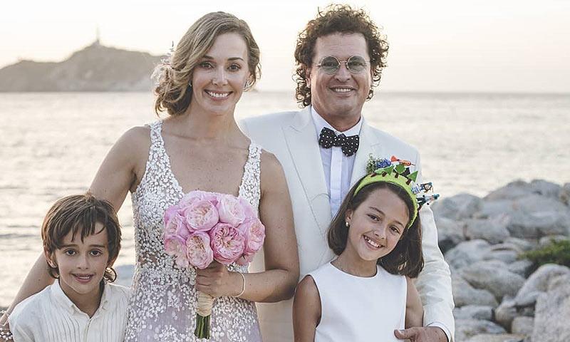 La romántica boda de Carlos Vives con sus hijos como testigos