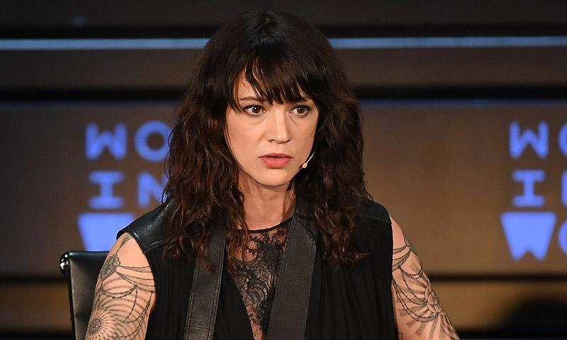 Asia Argento niega 'categóricamente' las acusaciones de abuso del actor Jimmy Bennett