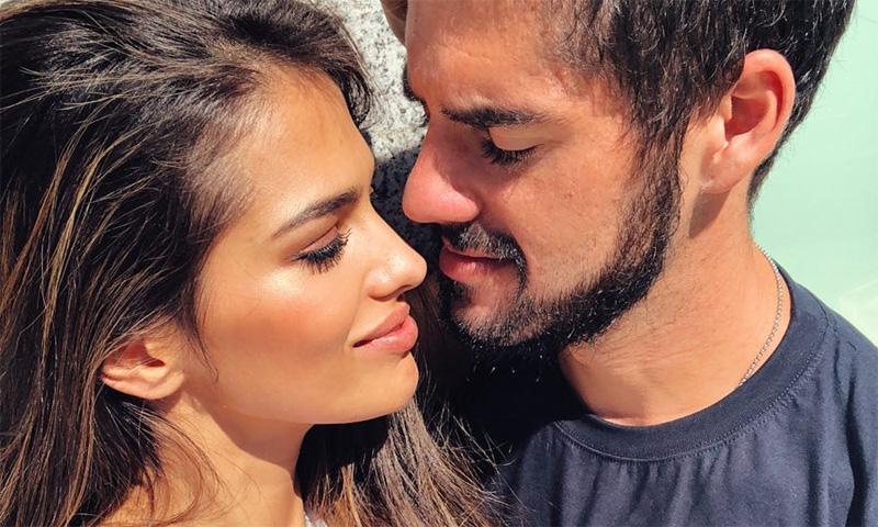 Isco Alarcón recibe el alta hospitalaria mientras Sara Sálamo continúa de rodaje
