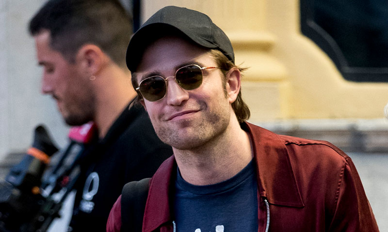 Robert Pattinson deja un sabor agridulce a su llegada a San Sebastián