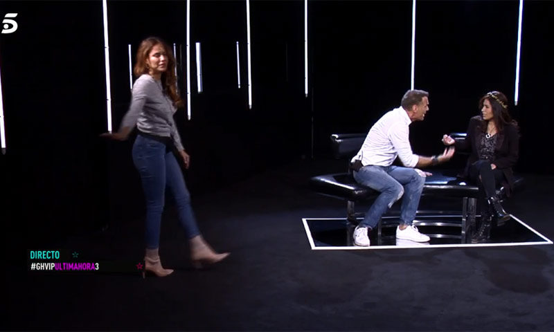 En tenso encuentro de Carlos Lozano con Miriam Saavedra y Mónica Hoyos en 'GH VIP'