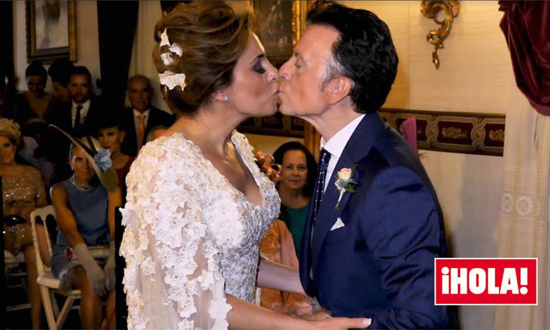 La romántica ceremonia y el beso de los novios en la boda de José Ortega Cano y Ana María Aldón