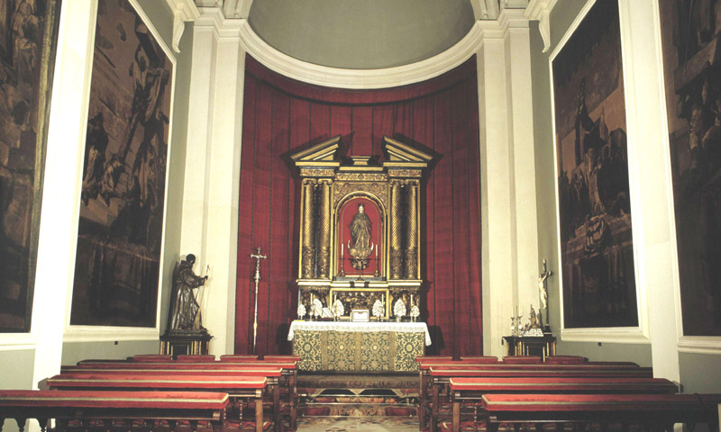 Así es la capilla, escenario de los grandes enlaces de la familia, que acogerá el 'sí, quiero'